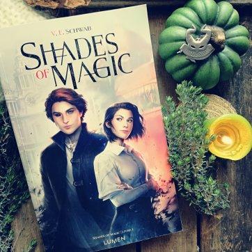 Shades of magic chez lumen
